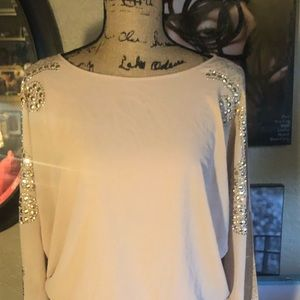 a'gaci Tops - NWT- Detailed Blush dolman sleeve slit top